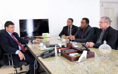 W. Dias autoriza investimentos de 10 milhões para o Hospital de Floriano