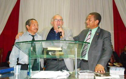 Assembleia de Deus realiza grande culto com a presença do cantor Armando Filho