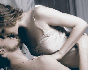 5 filmes e séries com cenas de sexo para apimentar a relação