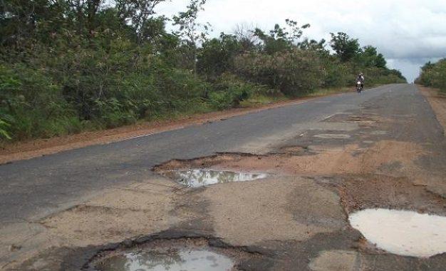 Estrada que liga Guadalupe a Jerumenha está em péssimo estado para o tráfego
