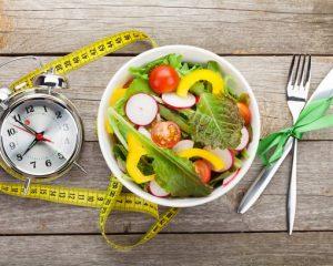 Restringir tempo de alimentação durante o dia é dieta da moda