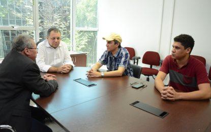 Marcos Parente busca celeridade em uma nova ambulância para o município