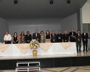 Lançamento de livro da Coleção Florianenses marca noite de aniversário de Floriano