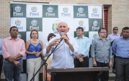 TCE determina afastamento de parentes do prefeito de Itaueira