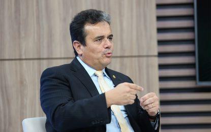 Henrique Pires destaca convênio com 100 municípios do Piauí