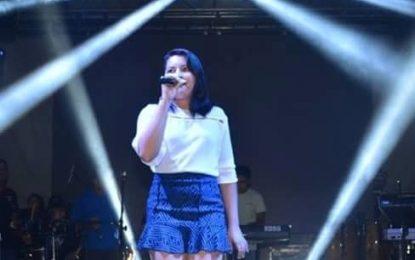 Cantora de Barras disputa concurso para entrar na banda Mastruz com Leite