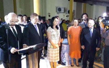 Mão Santa toma posse como prefeito de Parnaíba