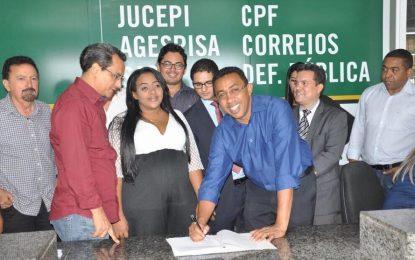 Prefeito Joel Rodrigues inaugura sede própria do Procon de Floriano