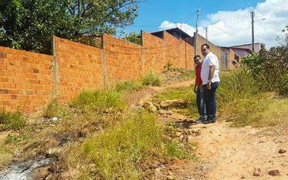 Georgiano Neto visita ruas de Uruçuí e destina recursos para calçamento