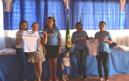 Prefeitura de Marcos Parente entrega fardamento para alunos das escolas municipais