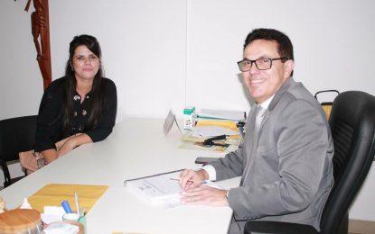 Zé Santana assegura Caminhão Digital para cursos em Jerumenha