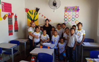 Após reforma, prefeita Aldara faz vistoria na escola Moisés Pereira Guedes em Jerumenha