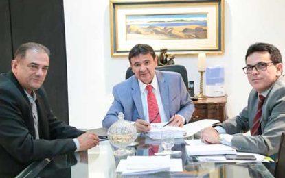 Governador W. Dias atende solicitação de Chico Filho e Zé Santana