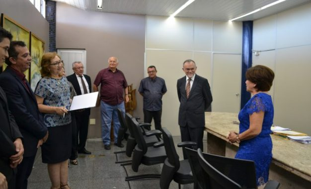 TCE-PI e Junta Comercial firmam acordo de cooperação para troca de informações
