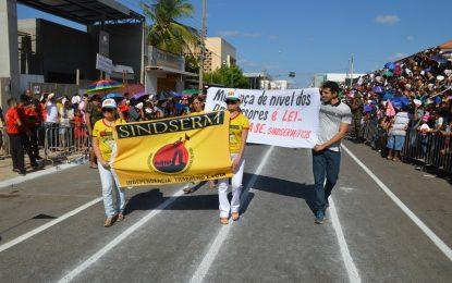 Sindserm denuncia prefeito de Picos durante o desfile do 7 de setembro