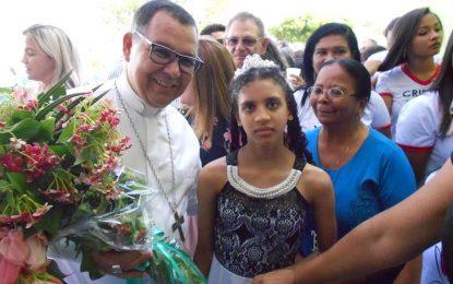 Bispo Dom Edivalter é recepcionado pelos fiéis da Paróquia de Guadalupe