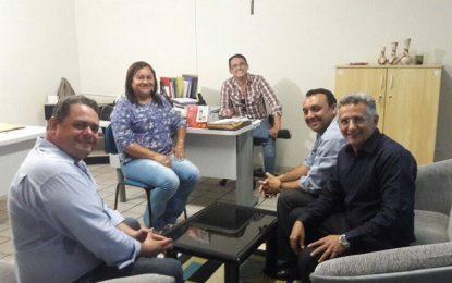 Reitor da UEPI visita Floriano e secretário de Comunicação pede curso de jornalismo na cidade