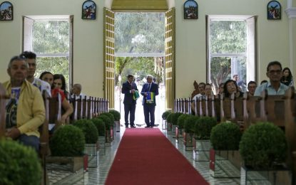 Governador Wellington e Themístocles Filho participam de missa pelo Dia do Piauí