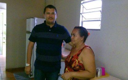 Vereador Adão visita casa de Guadalupe em Teresina e constatou melhorias