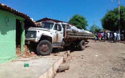 Criança morre atropelada por caminhão desgovernado em Cajazeiras do Piauí