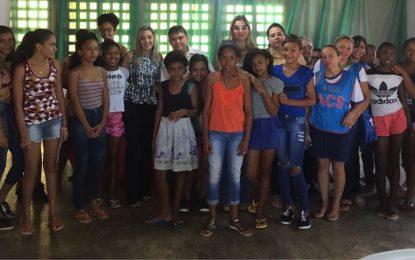 """Assistência Social de Marcos Parente discute """"Gravidez na Adolescência"""" em seminário"""