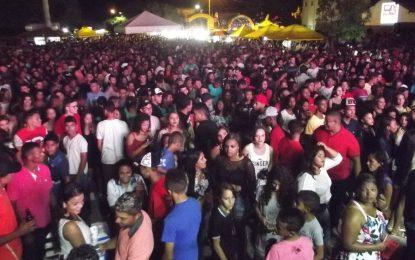 Grande público prestigia shows do aniversário de 55 anos de Marcos Parente
