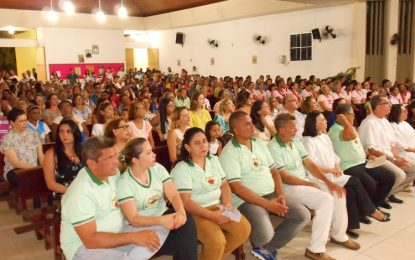 Igreja lotada marca o início donovenáriode Nossa SenhoradeGuadalupe