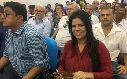 Prefeita Aldara Pinto receberá ambulância e gabinete odontológico para Jerumenha