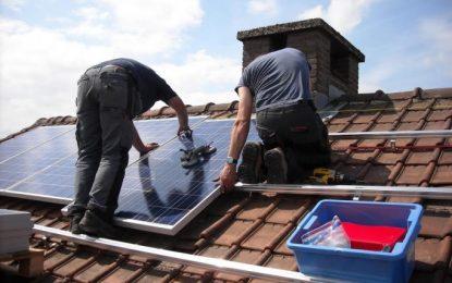 Painéis solares economizam quanto? Demoram a se pagar?