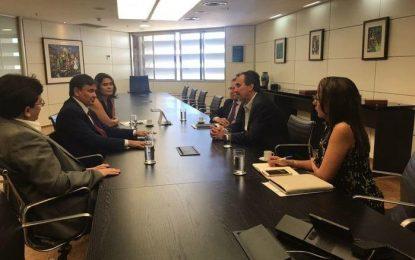 Wellington Dias discute com direção da Caixa Econômica a liberação do empréstimo