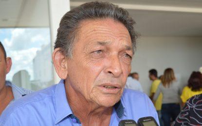 Gil Paraibano é internado e passa por cateterismo em Teresina