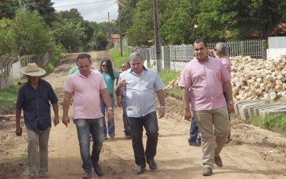 Georgiano Neto visita União e confere investimentos em pavimentação