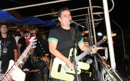 Ricardo Chaves anima a terceira noite do Carnaval de Floriano