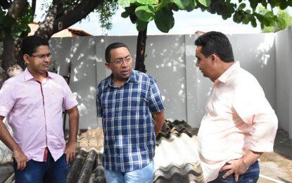 Prefeito Joel visita Unidades Básicas de Saúde que passam por reforma
