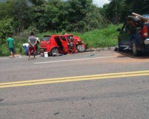 Mulher morre em colisão frontal na BR 135 próximo a cidade de Bom Jesus