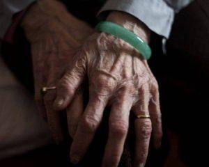 Justiça condena homem a 5 anos de prisão por xingar a mãe