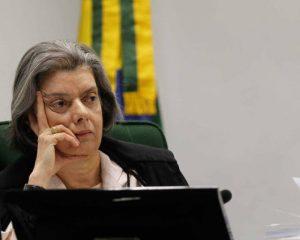 Cármen Lúcia decide receber advogado de Lula para discutir prisão