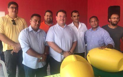 Silas Freire participa da entrega de kits de piscicultura em Guadalupe