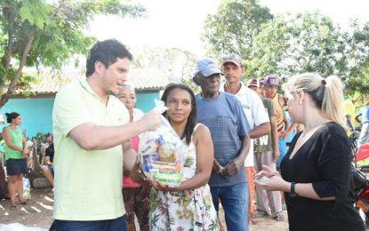 Prefeitura de Floriano inicia distribuição de cestas básicas na Semana Santa