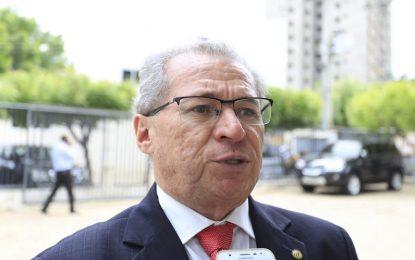 """Assis Carvalho pede que aliados respeitem a decisão do PT de """"chapa pura"""""""