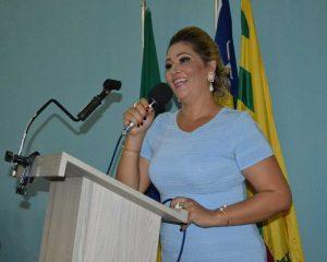Ex-vereadora Auricélia é denunciada ao Ministério Público do Piauí