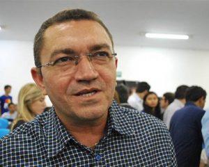 Prefeito de Picos contrata empresa de consultoria por R$ 288 mil