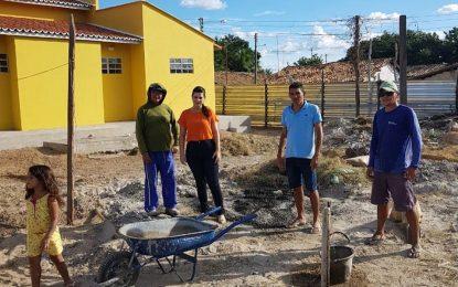 Prefeita Aldara Pinto visita obra da Academia de Saúde no povoado Barra do Lance