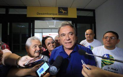 Álvaro Dias dá aval para candidatura de Elmano ao Governo do Piauí