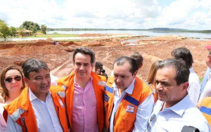 Ministro da Integração Nacional visita desabrigados em cidades do Piauí