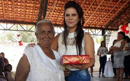 Prefeita Aldara participa de festa para mães do Cras e da Educação de Jerumenha