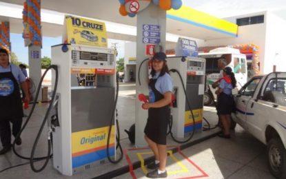 Tensão pela greve de caminhoneiros leva florianenses a procurar postos de combustível
