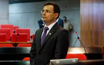 Fábio Novo pede a recuperação da rodovia entre Jerumenha e Bertolínia