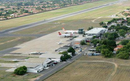 Greve dos caminhoneiros: aeroporto de Teresina acaba estoque de combustível