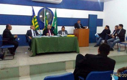 Oposição ao prefeito de Floriano ganha reforço com o vereador Akassio